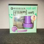Erster Stamping Versuch mit dem essence stampy set