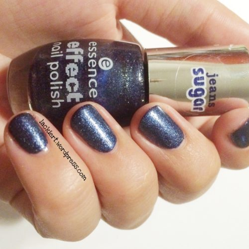 Blue Friday mit Essence Effect Nail Polish blue-jeaned