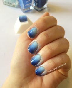 gradient nails in Blau mit p2 Nagellacken