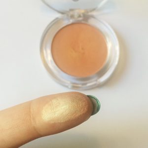 essence exit to explore eyeshadow 03 apricot cockatoo