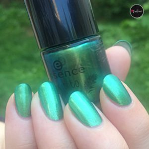 essence nailpolish lianas in the jungle