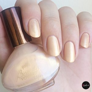 p2 beauty bazaar nail polish 010 curcuma dream eine Schicht