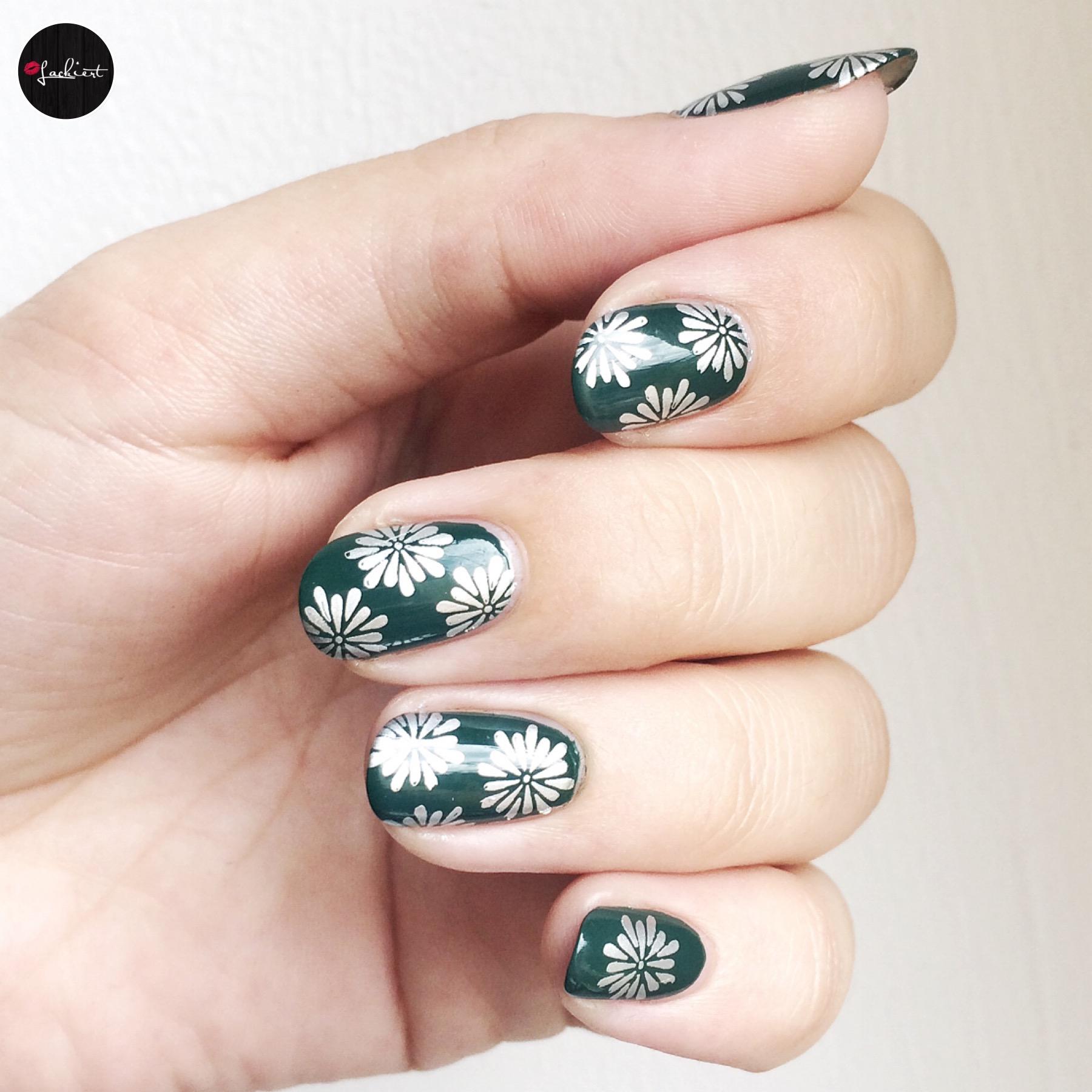 Herbstliche Nägel Grün Silber