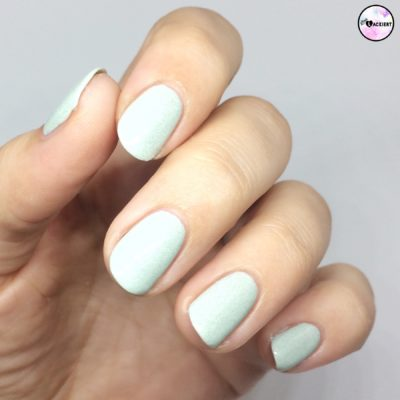 essence nail polish 50 make up your mint
