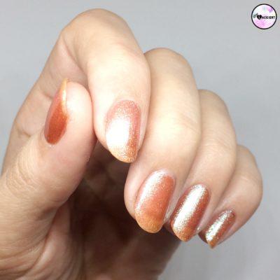 Eine Schicht TIU Holo Dimension Nail polish