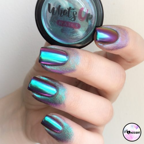 Multichrome Powder von Whatsupnails Auftrag