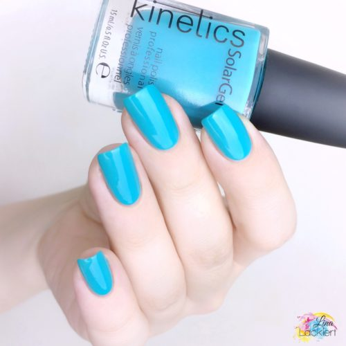 Kinetics Nailpolish Shark in the pool