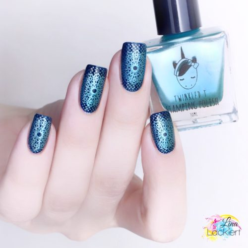 Blue Nailstamping with twinkledT