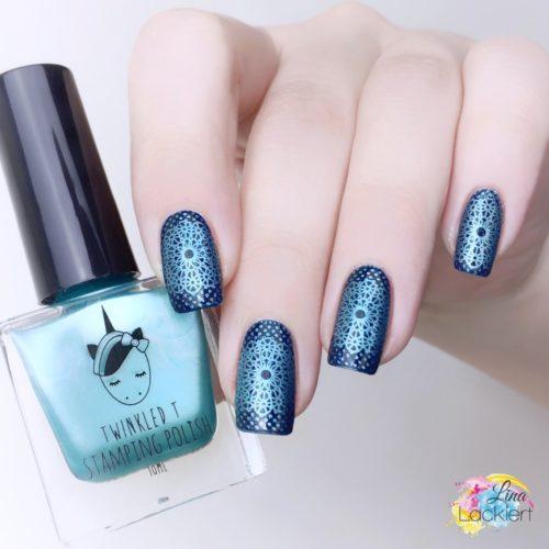 Stamping Nailart Blau