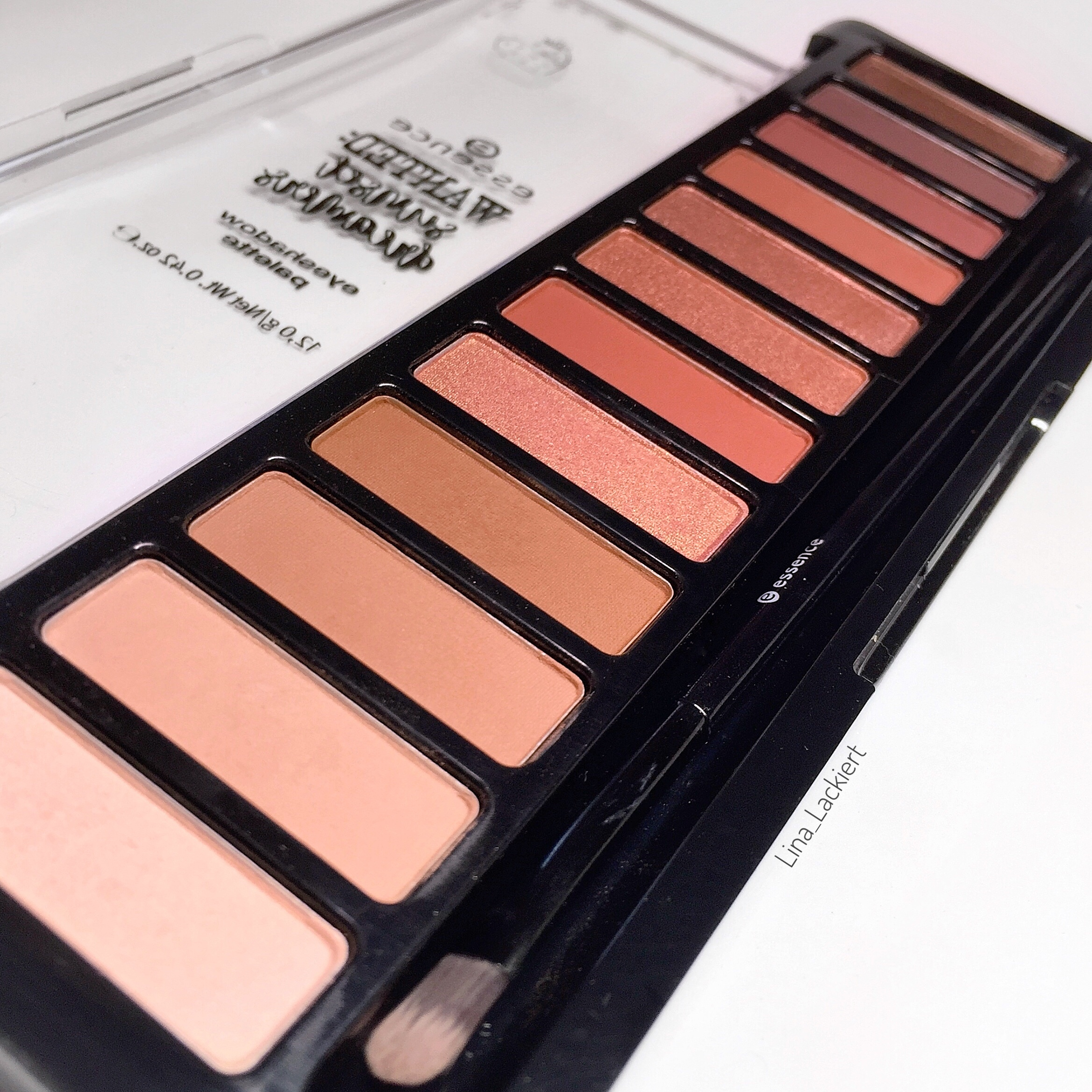 desert heat eyeshadow Palette von essence